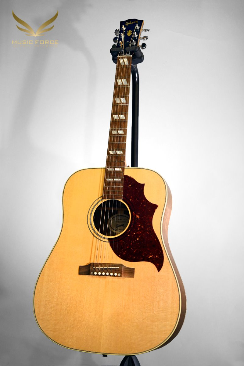 [특별세일] Gibson Montana 2019 Model Hummingbird Studio-Antique Natural w/L.R. Baggs VTC Pickup System(신품)